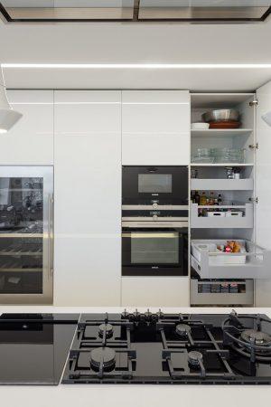 Set de gavetas interiores para mercearias. | Set of interior drawers for groceries.