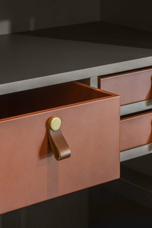 Caixa para acessórios. | Box for accessories.