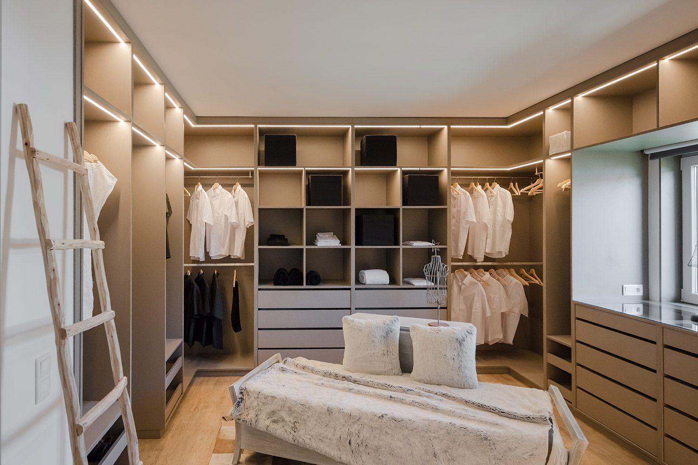Fabri walking closet